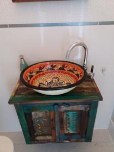 Kolonialna umywalka z Meksyku.